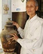 Cổ vật nhà chùa tìm thấy dưới sông Hương