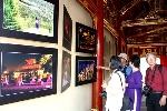Hơn 350 bức ảnh được trưng bày tại các Trường Lang Tử Cấm Thành