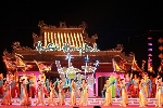 Tôn vinh giá trị nghệ thuật ca Huế tại đêm hội Âm sắc Hương Bình