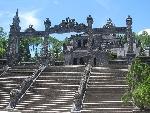 Ứng Lăng, kiến trúc xa hoa khác biệt ở Huế