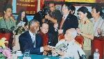 Võ Nguyên Giáp - Nelson Mandela: Người kích hoạt nhân tâm