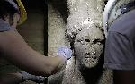 Tìm thấy tượng cẩm thạch tuyệt đẹp trong mộ cổ Hy Lạp