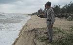 Thừa Thiên - Huế: Mỗi đêm biển lấn đất liền 4-5m