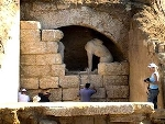 Phát hiện những bức tranh cổ trong ngôi mộ cổ lớn nhất Hy Lạp