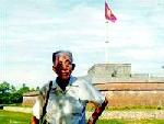 Những chuyện chưa phải ai cũng biết về người treo cờ đỏ sao vàng trên cột cờ Huế 8/1945