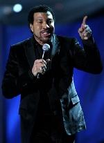 Lionel Richie sắp 60 vẫn đầy lãng mạn