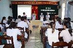 Tổ chức tập huấn công tác kiểm soát nhiễm khuẩn cho viên chức và người lao động.