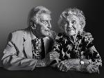 Cuộc sống tuyệt vời của những người già 100 tuổi trên khắp nước Mỹ