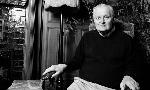 Nhà thơ đoạt giải Pulitzer John Ashbery qua đời ở tuổi 90