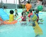 60 em thiếu nhi tham gia lớp học bơi miễn phí và phòng chống đuối nước cho thanh thiếu nhi 2017