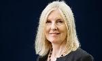 Nữ nhà văn đoạt giải Orange đầu tiên qua đời ở tuổi 64