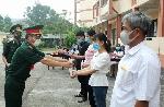 Đã hoàn thành thời gian cách ly tập trung 14 ngày cho tất cả 6.362 người từ Lào trở về
