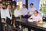 Thủ tướng Nguyễn Xuân Phúc thăm và dâng hương tại nhà lưu niệm Chủ tịch Hồ Chí Minh