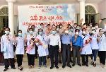 Lế ra quân đưa Bác sĩ, điều dưỡng  Huế tình nguyện chi viện cho TP Đà Nẵng phòng chống dịch COVID-19