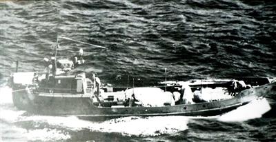 Xẻ dọc biển Đông đi cứu nước
