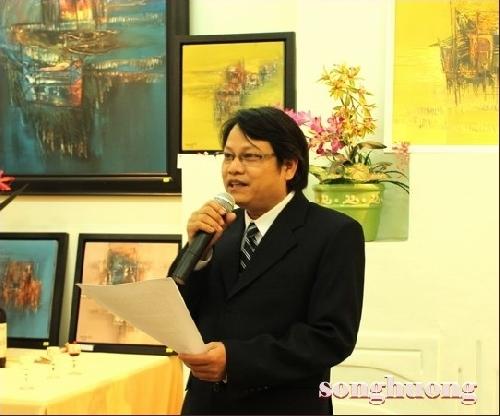 Bế mạc phòng triển lãm tranh Xuân về trên Phá Tam Giang và trao tác phẩm cho các nhà sưu tập