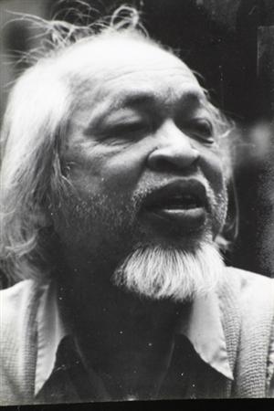 Nhà thơ Hoàng Trung Thông: Đầu trần đi dưới trời mưa