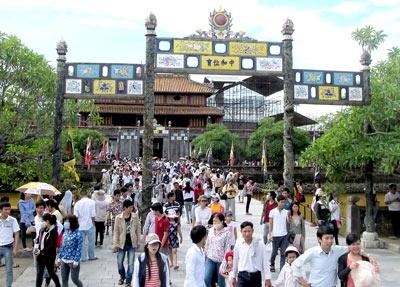 Việt Nam tăng cường công tác quản lý môi trường du lịch