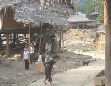 Cần xây dựng các chính sách hỗ trợ phù hợp cho việc giảm nghèo ở khu vực miền Trung và Tây Nguyên