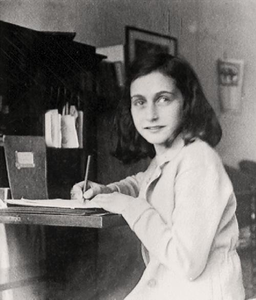 """Trở lại với tập """"Nhật ký của Anne Frank"""""""