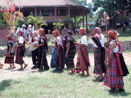 Những yếu tố tác động đến hoạt động văn hóa truyền thống ở A Lưới