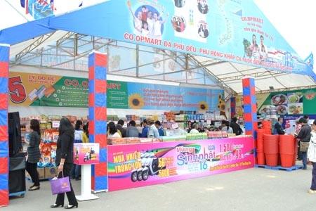 Trên 60 nghìn lượt khách tham quan, mua sắm tại Hội chợ TMQT Quốc tế Festival Huế 2014