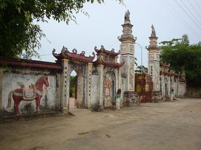 Năm 1902, Nguyễn Sinh Cung - Hồ Chí Minh theo cha chiêm bái đền Quả Sơn