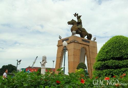 Tượng đài Liệt nữ Quách Thị Trang sắp bị di dời