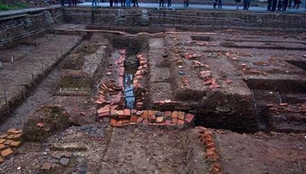 Nhiều phát hiện mới tại khu vực điện Kính Thiên