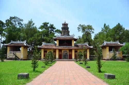 Bí ẩn lời nguyền ở chùa Thiên Mụ