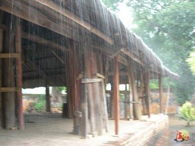 Niệm khúc cho mưa Huế