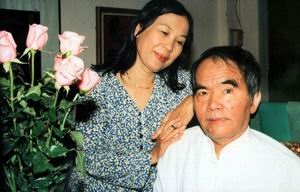 Festival Huế 2006 với ông Hoàng Phủ