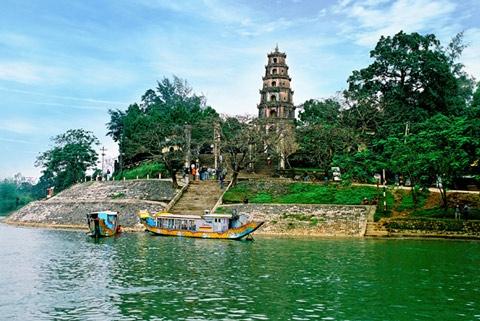 Sông Hương - cõi thơ thời mở cõi
