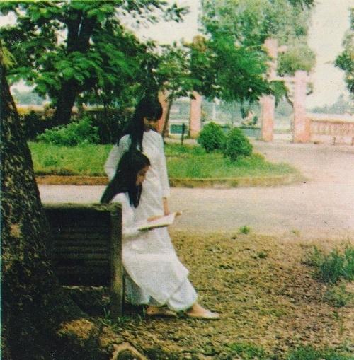 Trang thơ đầu tay 02-89