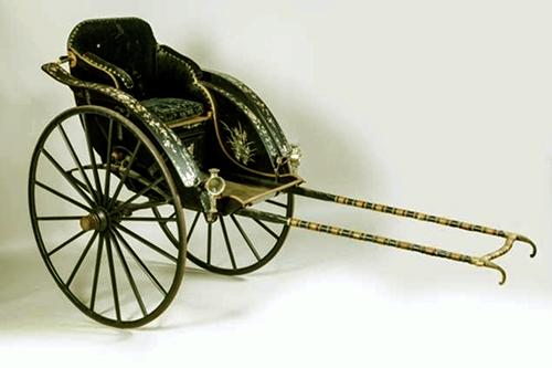 Xung quanh nghi vấn chiếc xe kéo tay do vua Thành Thái tặng mẹ