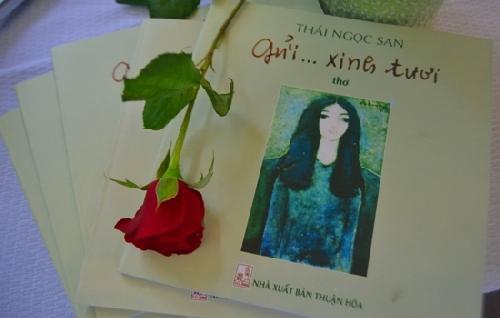 Ra mắt tập thơ Gửi... xinh tươi của cố nhà thơ, nhà báo Thái Ngọc San.