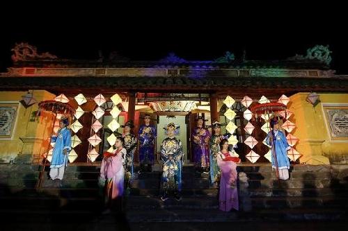 Đại Nội cổ kính đêm Hoàng Cung