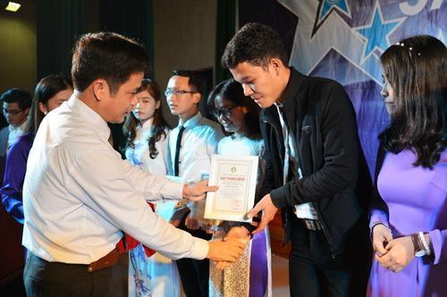 """Trao giải thưởng """"Sao tháng Giêng"""" cho 20 sinh viên"""