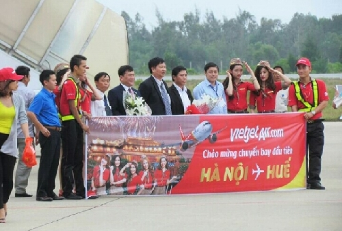 Vietjet Air khai trương đường bay mới Huế - Hà Nội.