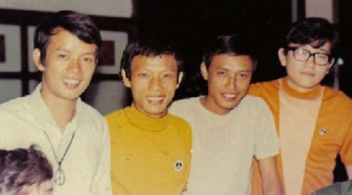 Phòng trà ca nhạc Sài Gòn xưa: Tuấn Ngọc, chàng ca sĩ riêng một góc trời