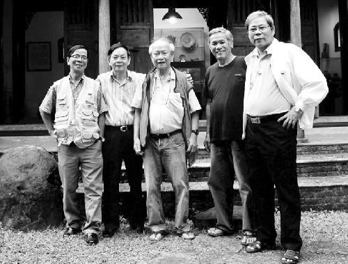 Nguyễn Ngọc Hạnh đắm đuối cùng thơ