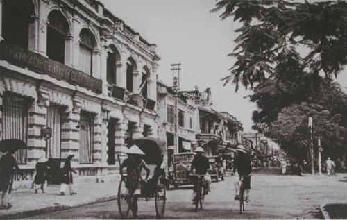 Nghiên cứu, lý luận, phê bình văn học Thừa Thiên Huế những năm đầu thế kỷ XX (1900 - 1945)