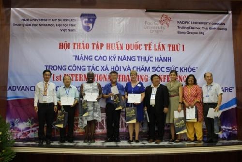 """Hội thảo tập huấn quốc tế lần thứ nhất """"Đào tạo kỹ năng thực hành Công tác xã hội trong chăm sóc sức khỏe và xã hội"""""""