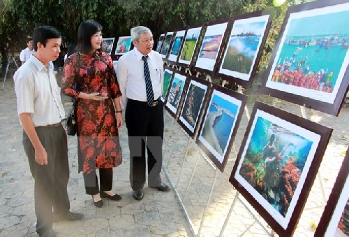 Triển lãm ảnh về Biển, đảo và con người tỉnh Quảng Ngãi