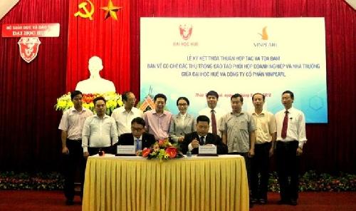 Lễ Ký kết thỏa thuận hợp tác giữa Đại học Huế và Công ty cổ phần Vinpearl.