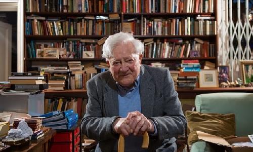 Đấu giá các tác phẩm trong thư viện tư nhân của nhà văn Richard Adams