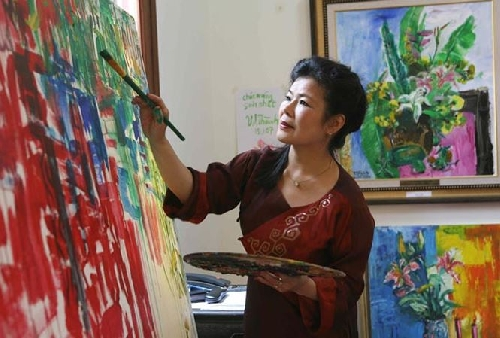 Người mẹ và thiên nhiên của một nữ họa sĩ