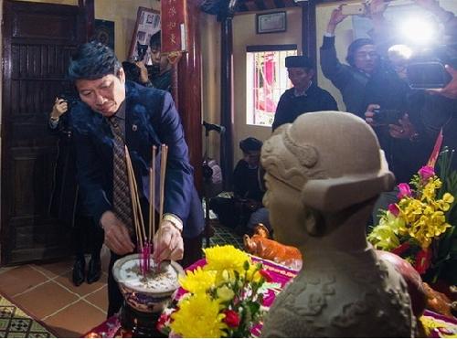 Dâng hương tưởng niệm Danh nhân Văn hóa Đặng Huy Trứ