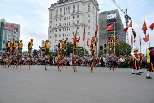 Sôi động lễ hội đường phố