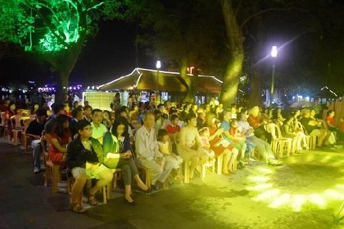 Độc đáo đêm trình diễn thơ Festival Huế 2018
